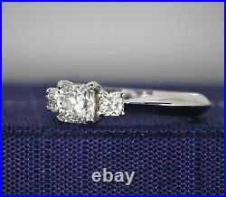$4,500 Hearts On Fire 18K White Gold Dream Cut Diamond Radiant Engagement Ring
